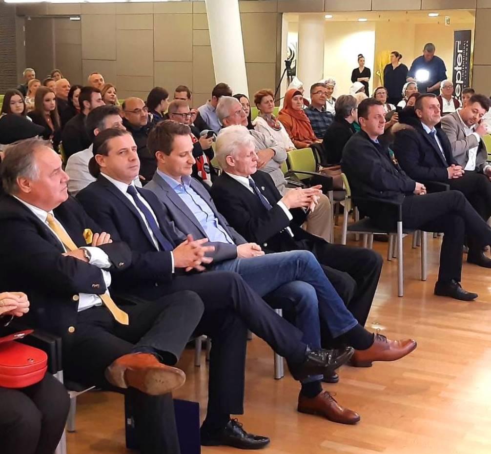 publika- veleposlanik Kozarić